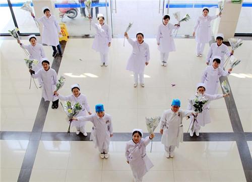 2020護士節贊美抗疫白衣天使的作文5篇精選