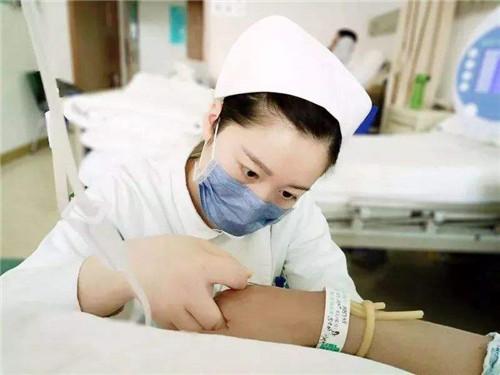 2020護士節向抗疫醫護人員學習的作文5篇精選